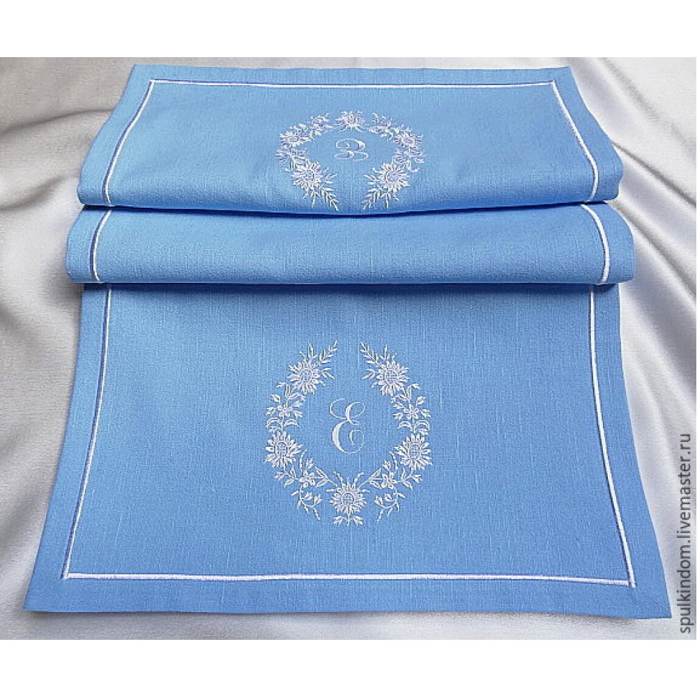 Дорожка на стол из льна с вышивкой прямоугольная