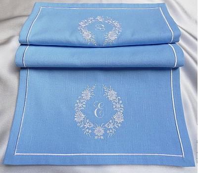Дорожка на стол из льна с вышивкой, 40*130 см