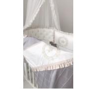 """Цельные бортики """"Shine"""" на овальную кроватку с оборкой (рюшей), кружевом и пуговками-стразами"""