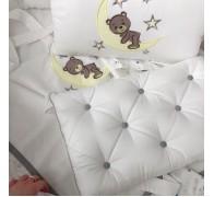 """Цельные бортики """"Мишка на Луне"""" на овальную кроватку с эксклюзивной вышивкой"""