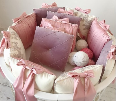 """Бортики в кроватку """"Dream"""" с шелком и велюром. 12 подушек со съемными чехлами"""