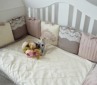 """Бортики в кроватку """"Стиль"""" для прямоугольной кроватки. 12 подушек со съемными чехлами"""
