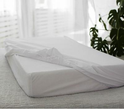 Простынь непромокаемая на резинке на прямоугольную, круглую или овальную кроватку.