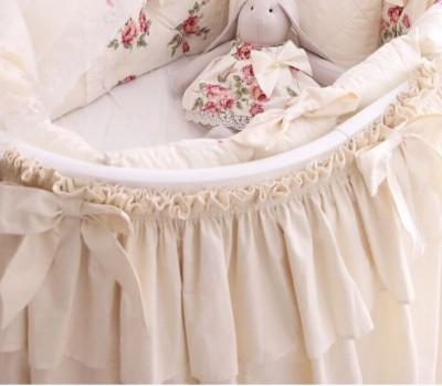Юбка на круглую (овальную) кроватку. Материал: 100% хлопок, вуаль.